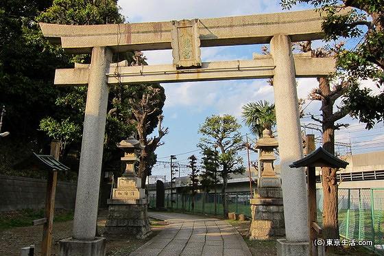 赤羽八幡神社の参道