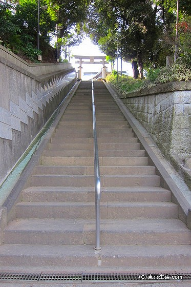 赤羽八幡神社の階段