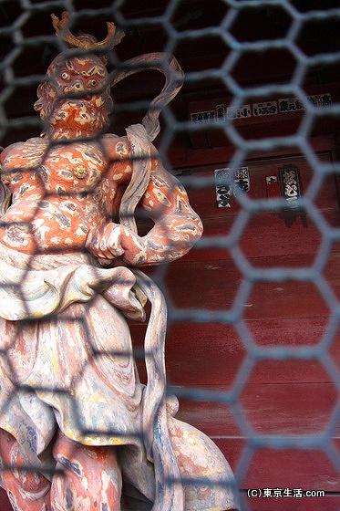 護国寺の金剛力士像