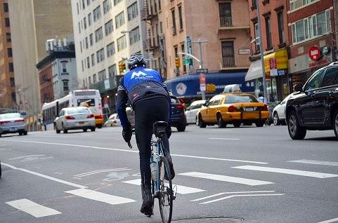 街の楽しみ方|自転車通勤の距離とかファッションとかの画像