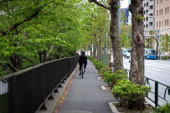 東京で自転車に乗る