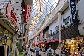長い商店街「阿佐谷パールセンター」|阿佐ヶ谷駅周辺