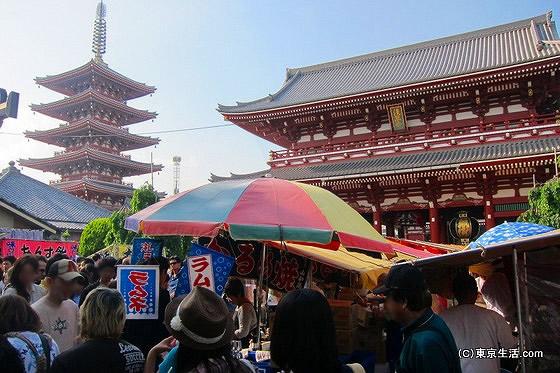 三社祭|浅草に屋台が並び神輿が巡る「三社祭」を歩くの画像