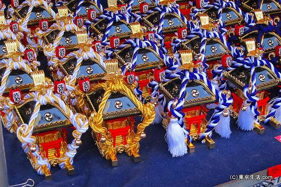 三社祭りの屋台 置物