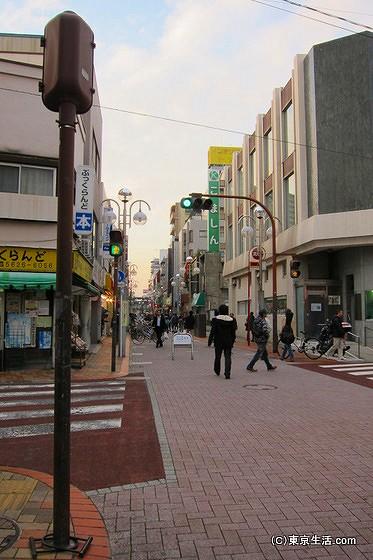 タイル敷きの平井商店街
