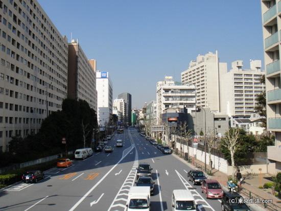 外国人向けスーパーもある広尾の商店街|広尾駅周辺