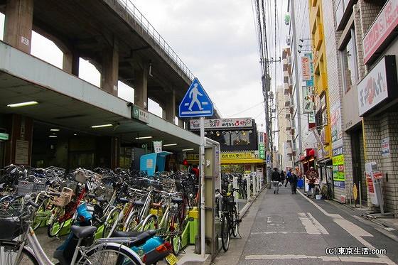 ローカルな雰囲気の亀戸駅東口