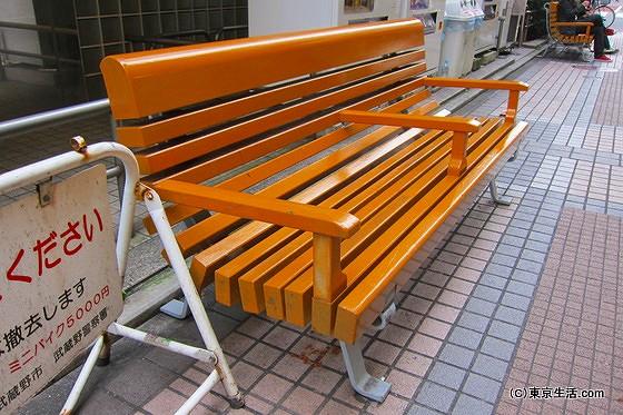 溜めのベンチ