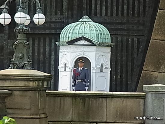 正門脇の近衛兵