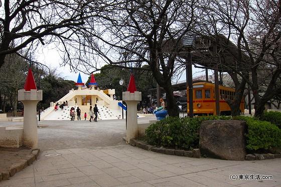 飛鳥山公園の広場
