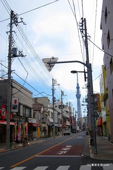 東京スカイツリーといろは会商店街