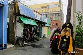 ローカルな雰囲気の法華経寺門前町|下総中山の商店街