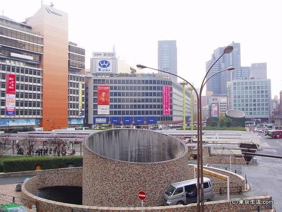 新宿駅西口のロータリー