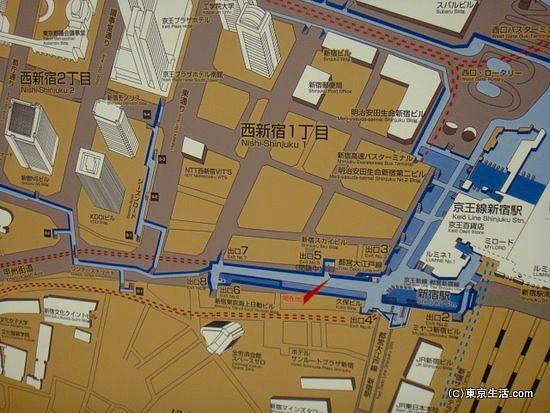 新宿駅西口の地下通路