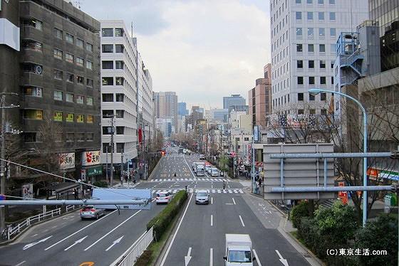 街の主要道路の白山通り
