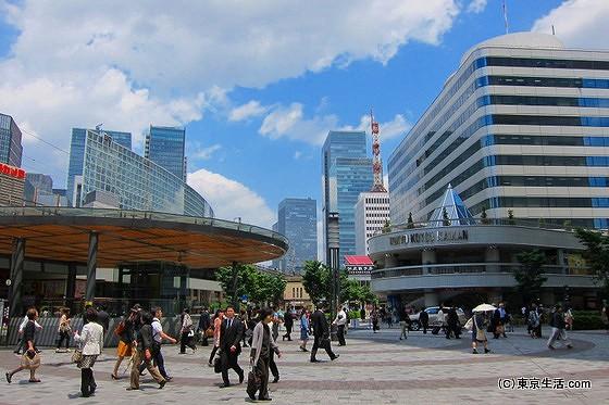 有楽町の駅前広場