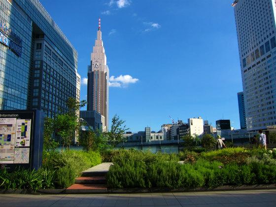 新宿駅南口の待合せエリア