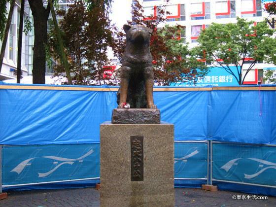 渋谷駅前のハチ公像